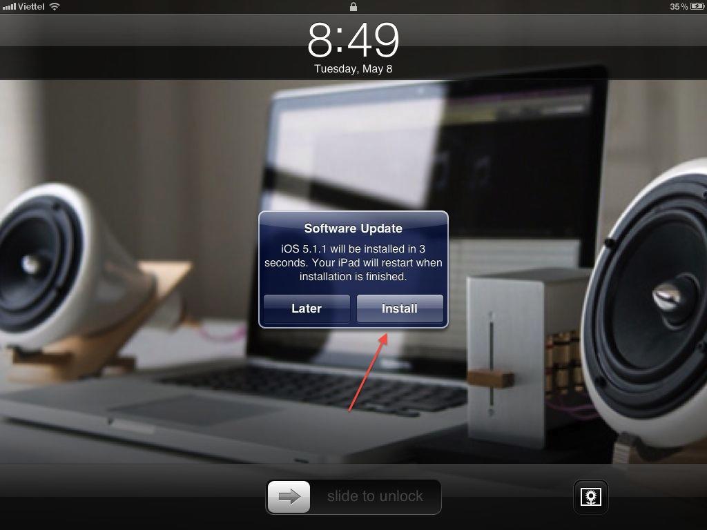 Sau khi tải xong, Software Update sẽ hỏi bạn có muốn cài đặt bản nâng cấp hay không. Nhấn Install để tiến hành.